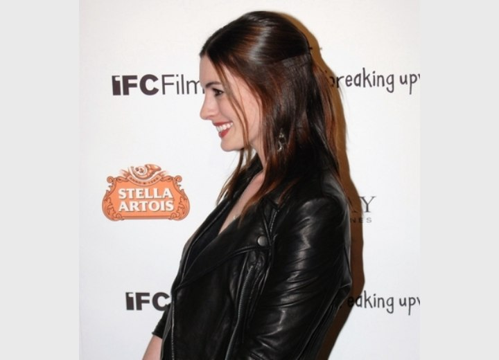 Anne Hathaway Wearing Her Smooth Long Brown Hair With The