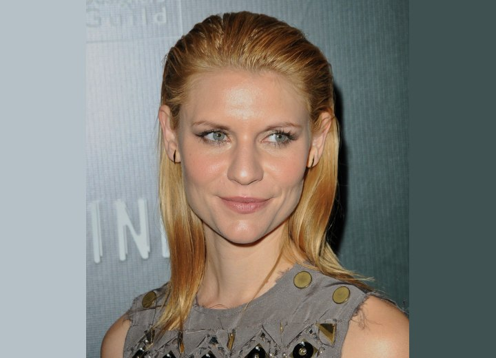claire danes red hair. Claire Danes with her hair