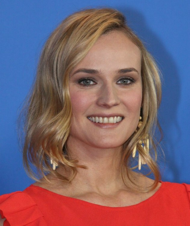 Diane Kruger Hairstyle For Wide Cheeks And A Wide Jaw Line