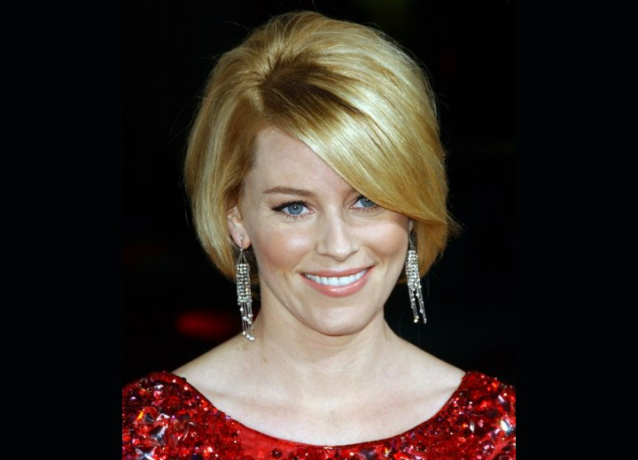 Checkerboard Hairstyle: Elizabeth Banks' Latest Short Hairstyle With Her Hair