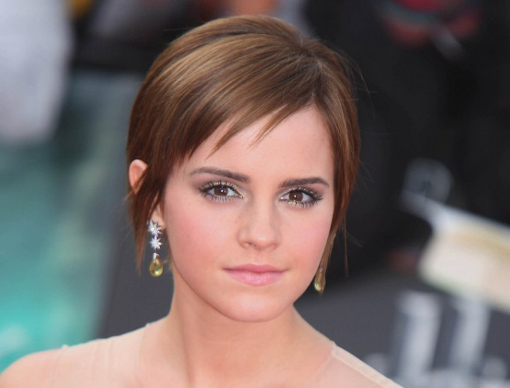 Emma Watson S Short Hairstyle With Fringe Around The Nape Back View