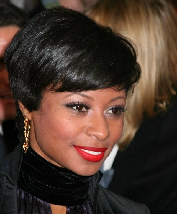 Fatima Robinson Short Hairstyle With The Sides Laying