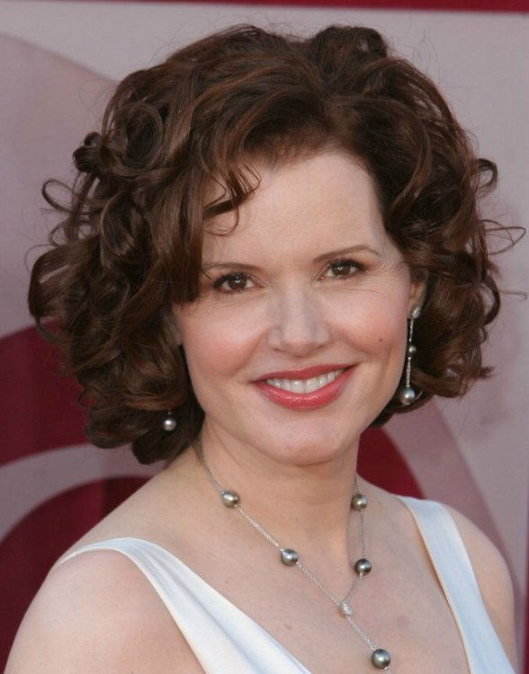 Geena Davis Carefree Medium Hairstyle With Curls
