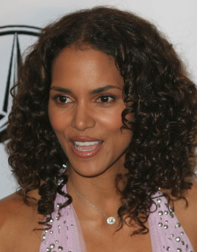 Halle Berry S Long Hair With Small Spiral Curls
