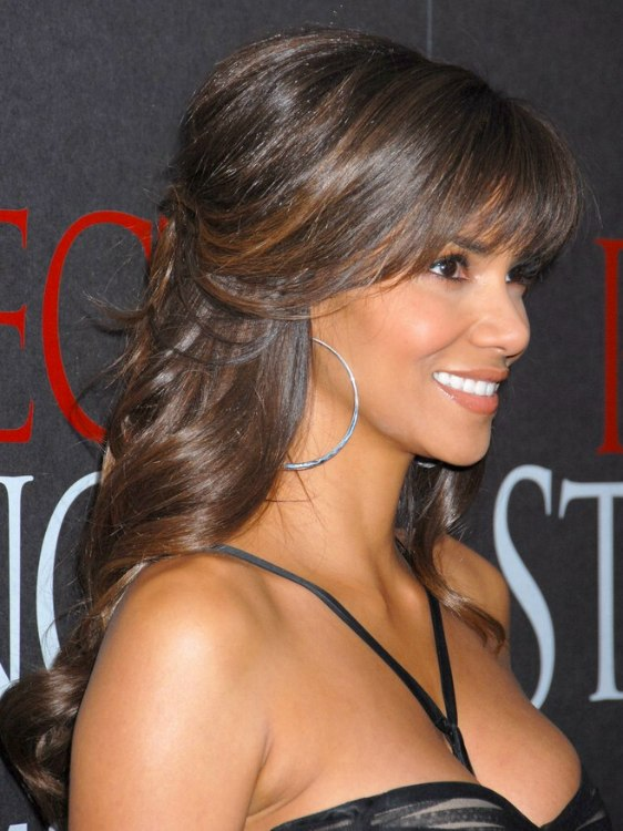 Halle Berry S Look With Long Hair