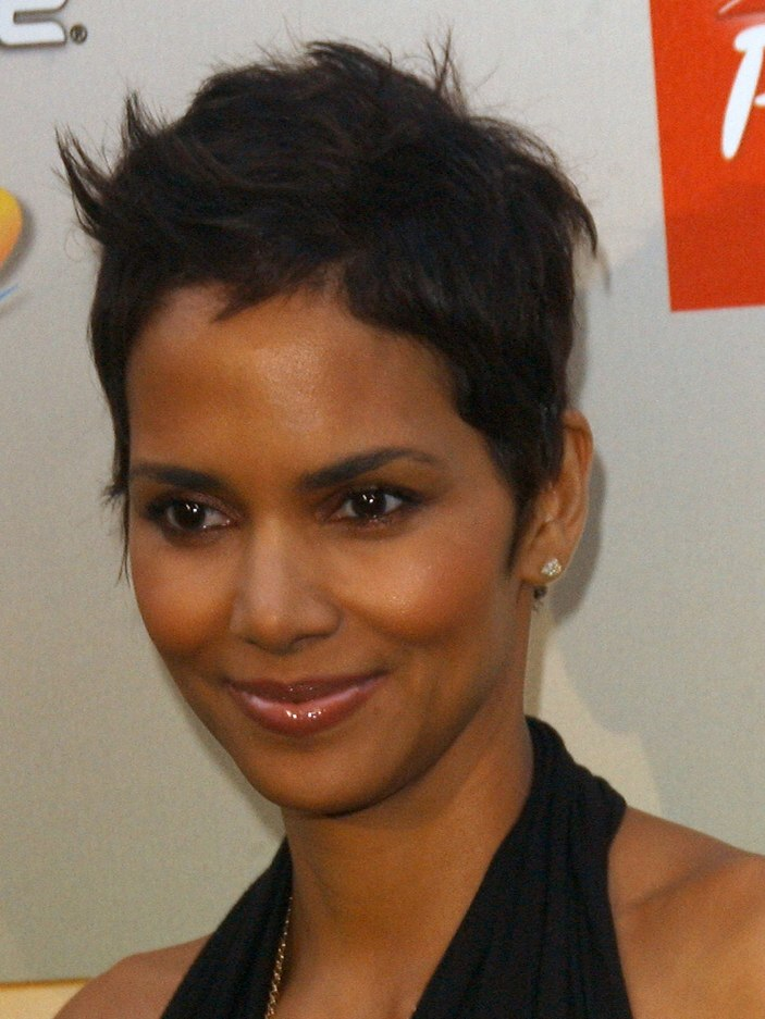 Halle Berry S Super Short Pixie Hair And Emmanuelle