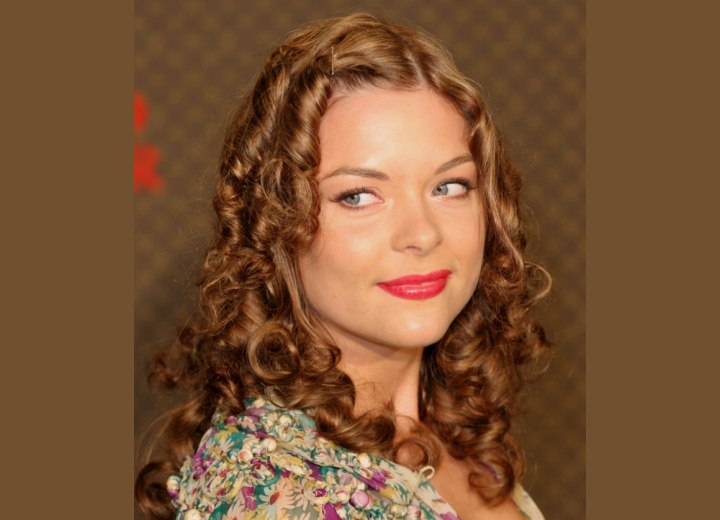 Jaime King with her hair in spiraling Shirley Temple curls