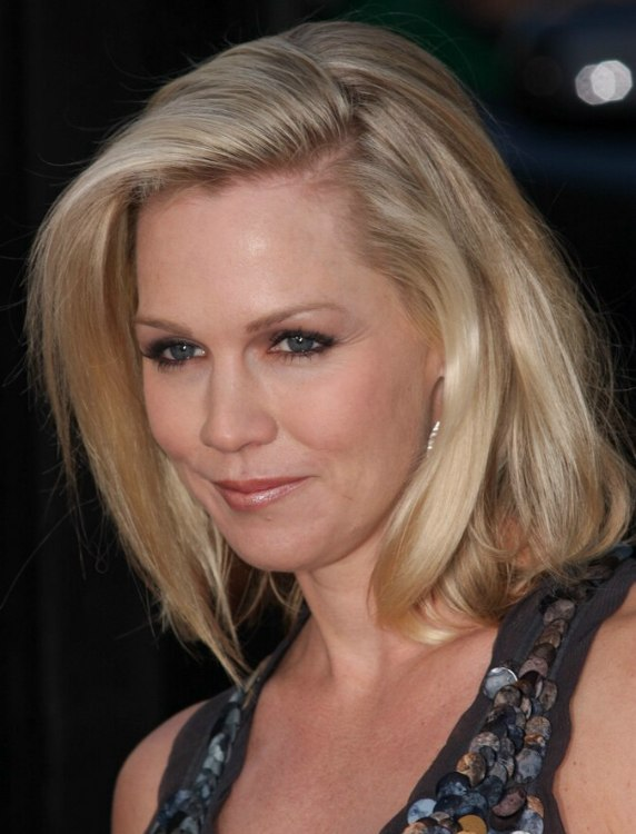 Jennie Garth Wearing Her Hair With The Top Styled Over To