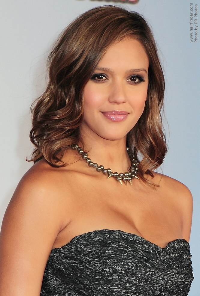 How to cut hair to imitate Jessica Alba's shoulder length ...