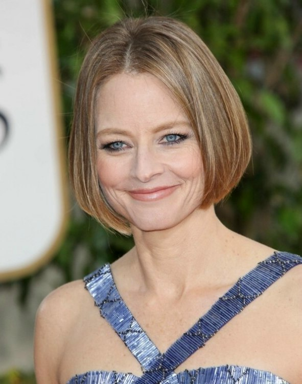 Jodie Fosters Chin Length Bob With Smooth Styling And A Center Part