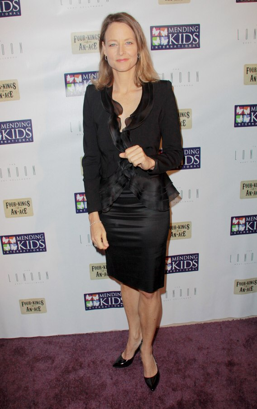 Jodie Foster Sporting An Effortless Shoulder Length Bob