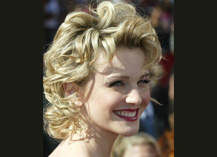 Kathryn Morris with curled hair