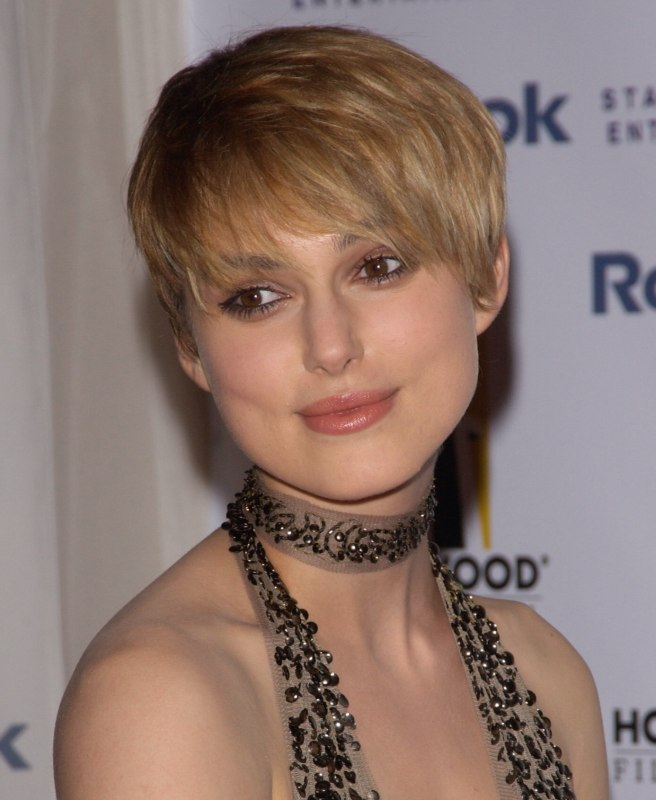 Keira Knightley S Extra Short Haircut With Forward Styling