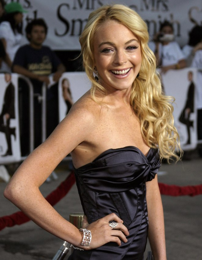 Linday Lohan Hair With Semi Rolled Curls Laying Well