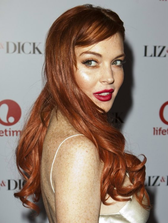 Lindsay Lohan Long Vintage Inspired Hairstyle With Curls