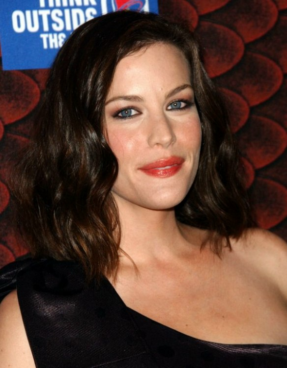Liv Tyler Medium Length Hairstyle Cut At The Shoulder