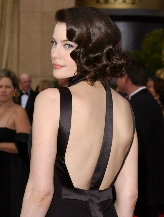 Liv Tyler Wearing Her Hair In A Shoulder Long Bob And
