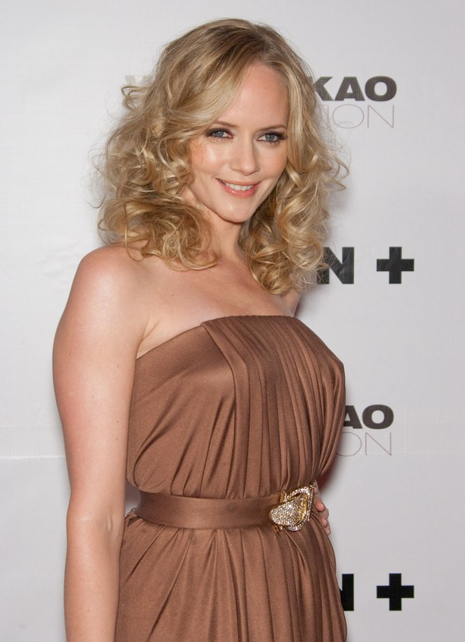 Marley Shelton With Curls Around Her Shoulders And Leven