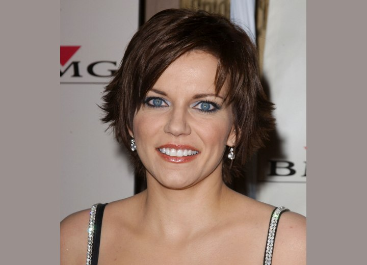 martina mcbrides slithered short haircut with ends that