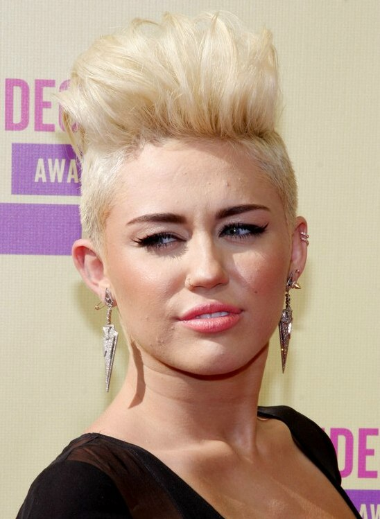 miley cyrus hair style miley cyrus with hair buzzed sides 5722
