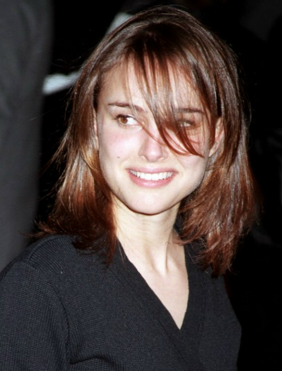 https://www.hairfinder.com/celebn/natalie-portman-medium-hair.jpg