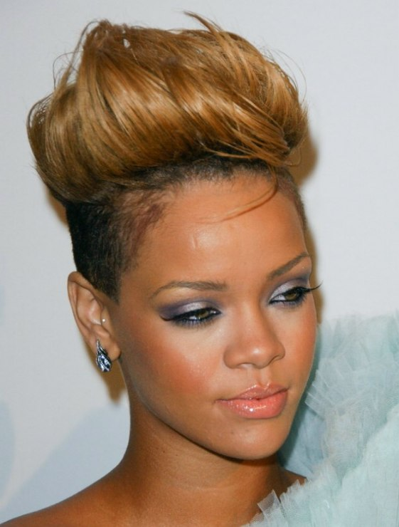 Rihannas New Short Hairdo Rihanna With Her Hair Styled Up