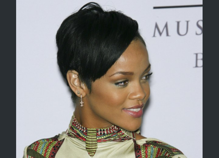 Rihanna S Hair In A Short Cropped Style And Contoured Around The Ears