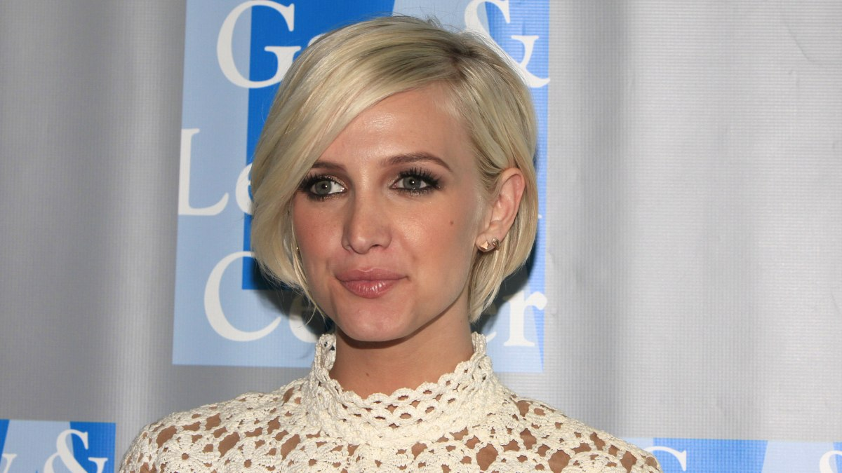 Ashlee Simpson - 12 Celebrities with Short Hair ...
