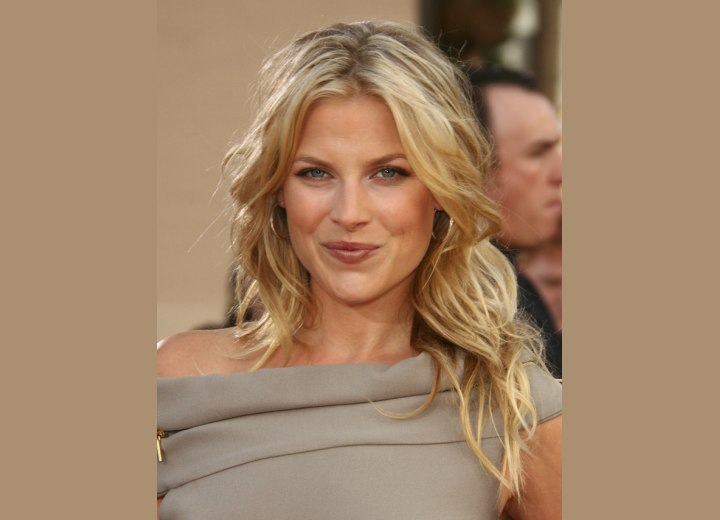 Ali Larter with long and foiled blond hair