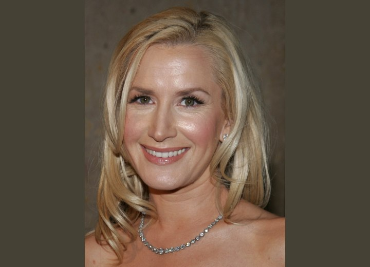 Angela Kinsey - Long angled hairstyle
