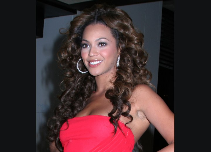 celebrity haircut styles that include Beyonce long hairstyle