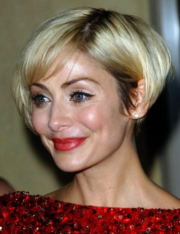 Celebrity hair layers medium