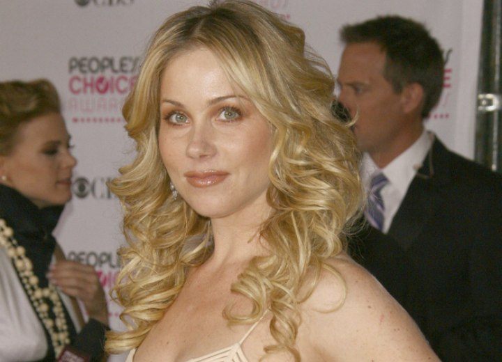 Christina Applegate - Long hair with cascading curls