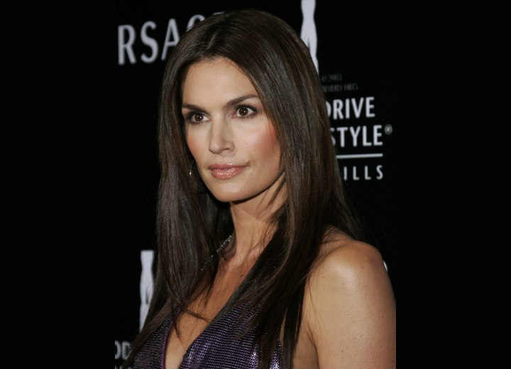 Cindy Crawford - Easy haircut for long straight hair