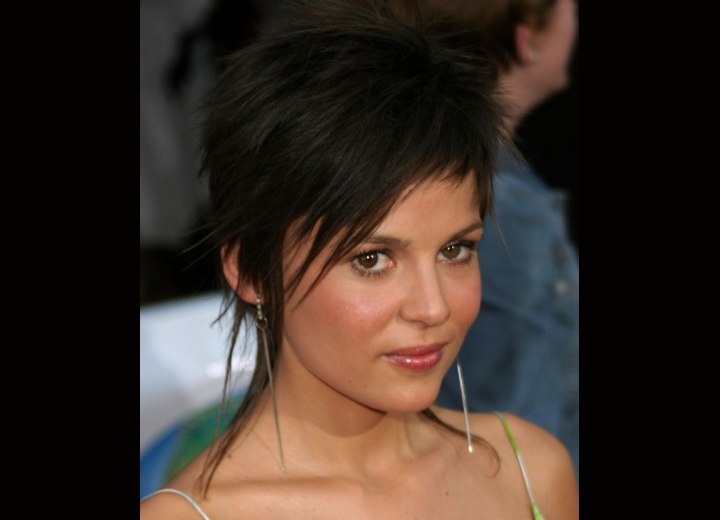 Elena Anaya - Short razor slithered hair