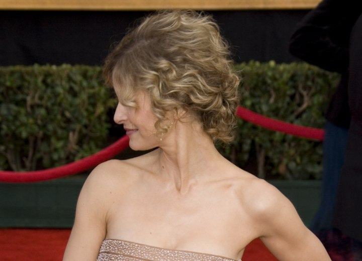Side view of Kyra Sedgwick's hairstyle