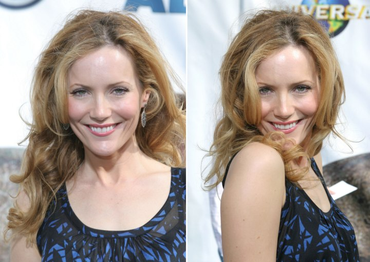 Angela Kinsey Leslie Mann Lackadaisical Twists Hair