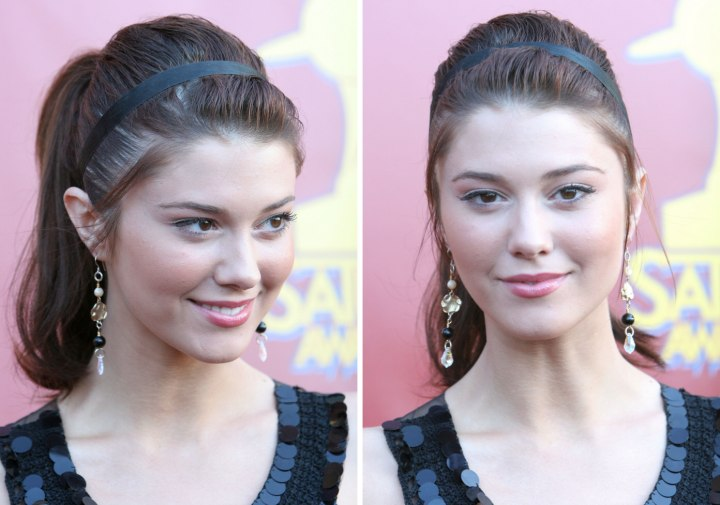Mary Elizabeth Winstead Angela Kinsey Ponytail With