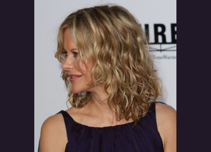 Meg Ryan With Hair Touching The Shoulders And Debra