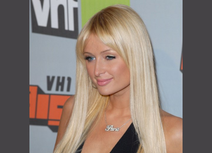 Paris Hilton wearing hair extensions