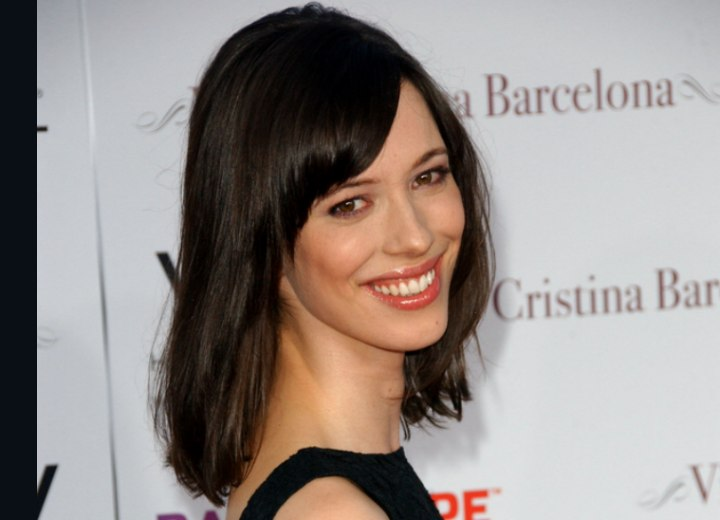 Rebecca Hall Sporting A Shoulder Bob And Jessica Biel With
