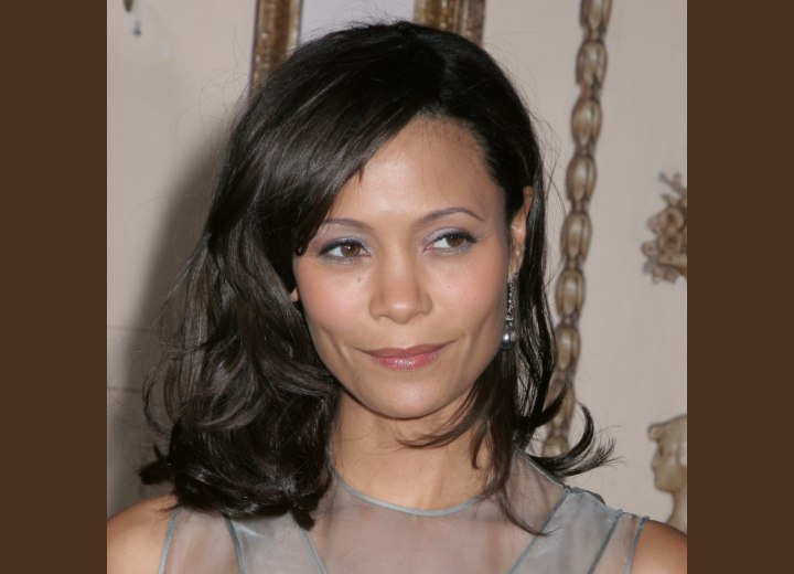 Thandie Newton - Medium length hair that flips up