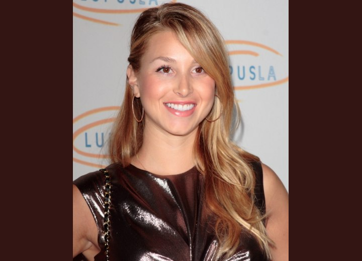 Whitney Port has scrumptious multiple colors of reddish caramel, blonde and