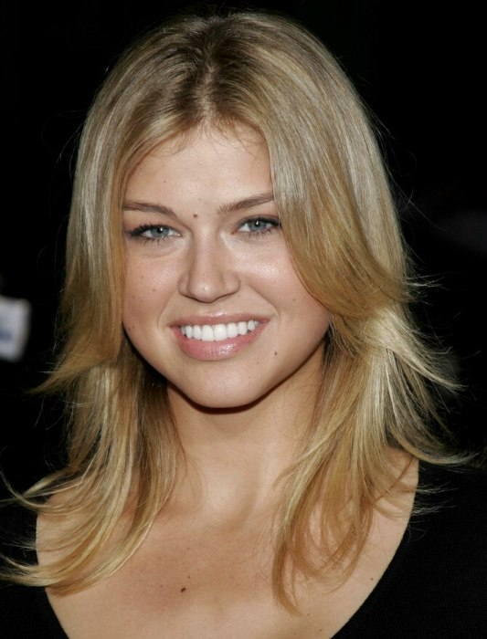 Adrianne Palicki With Shiny Long Hair Cut In A Sporty And