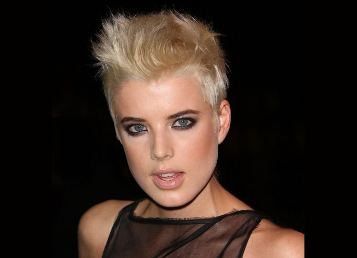 Agyness Deyn Super Short Punky Haircut That Brings