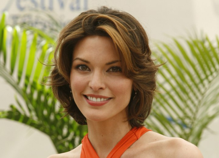 Alana De La Garza's easy going medium hairstyle