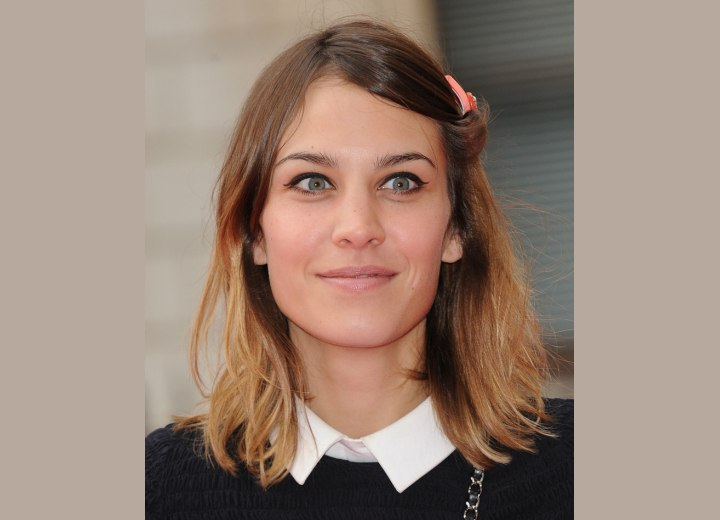 Alexa Chung - Hair that rests around the blouse collar