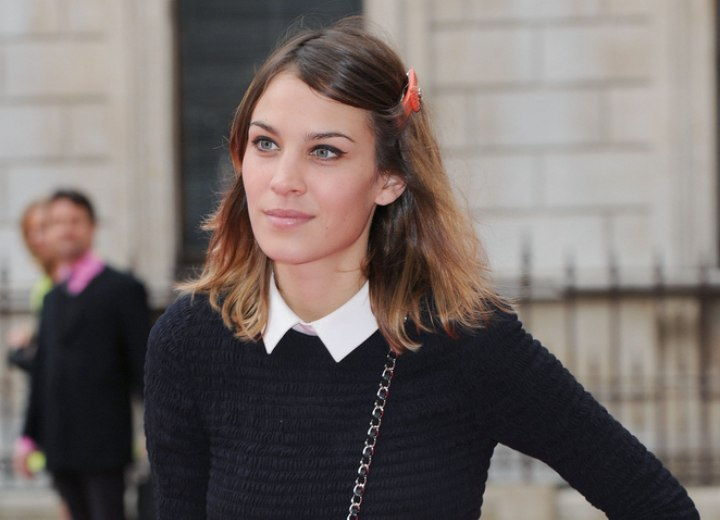 Alexa Chung - Simple medium long hairstyle