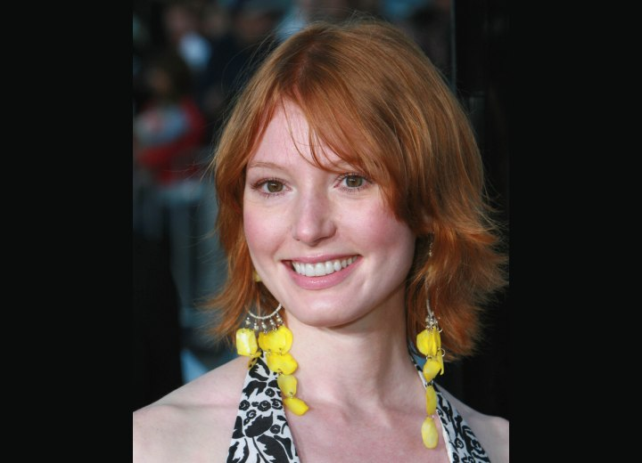 Alicia Witt - Mid length shag haircut
