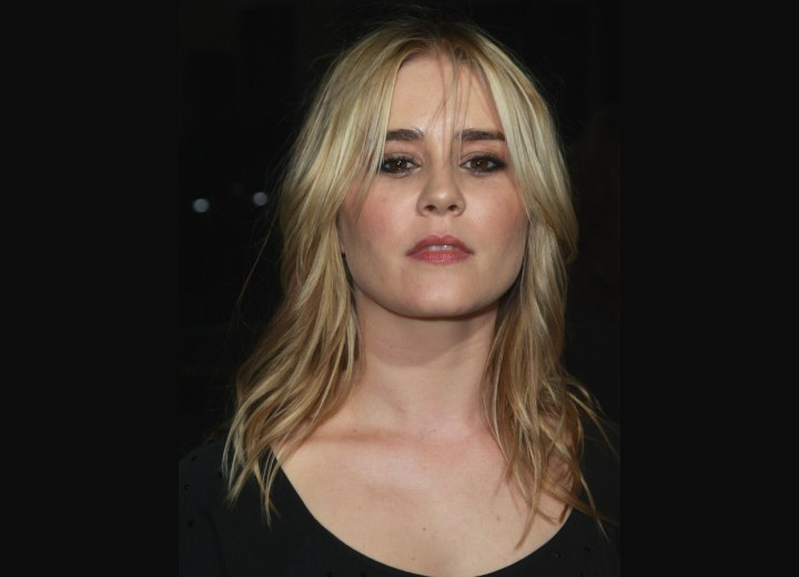 Alison Lohman's center parted long hairstyle